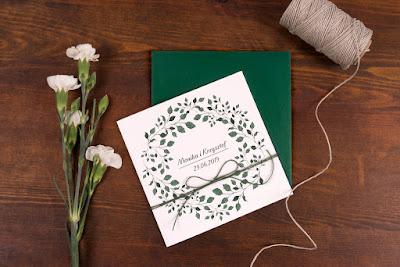 Zaproszenia ślubne z motywem roślinnym od Mirabilia.