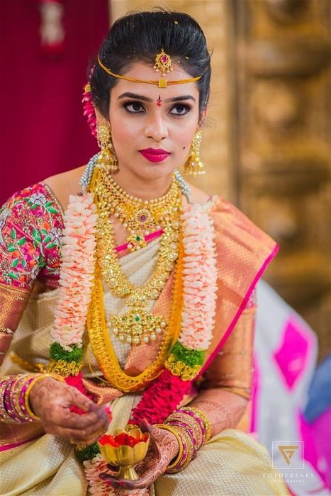 Bride in Kasu Mala Kundan Mango Mala