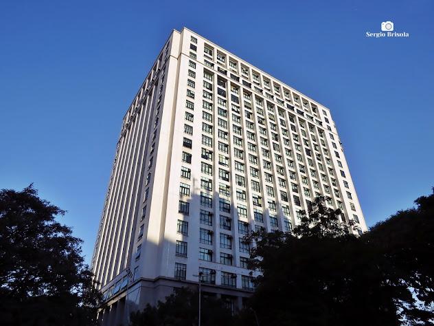 Vista ampla da fachada e lateral do Edifício Fórum João Mendes Júnior - Sé - São Paulo