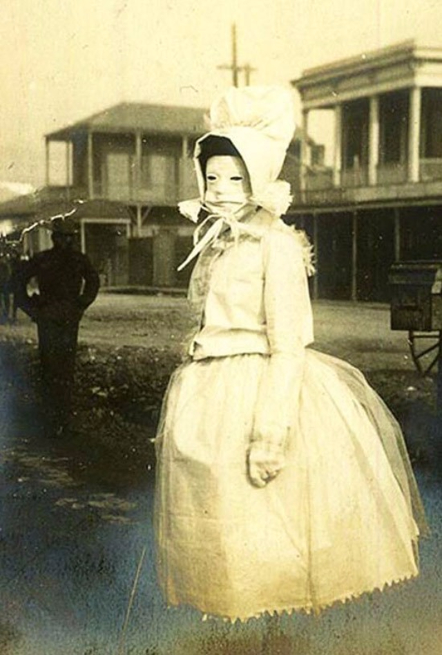 34 Really Creepy Vintage Photos That Will Give You ...