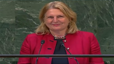 كارين كنايسل وزيرة خارجية النمسا