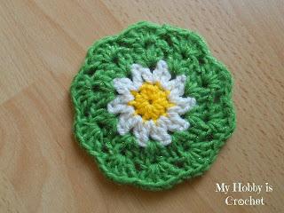 crochet coaster daisy