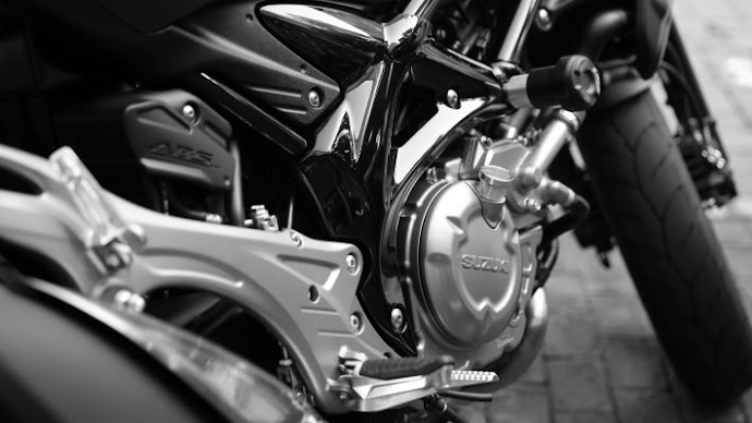 Picture 7: Motorcycle Engine