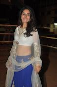 isha talwar latest glam pics-thumbnail-8