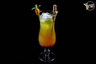 amanecer tropical cocktail