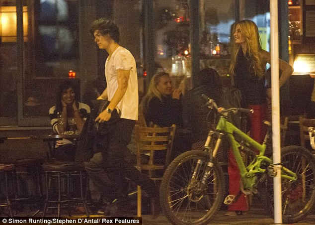 Harry Styles Moves DatingHarry Styles And Emily Ostilly