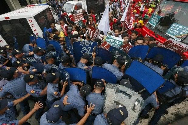 WATCH: 60 pulis sinibak sa puwesto kaugnay ng madugong dispersal sa US Embassy