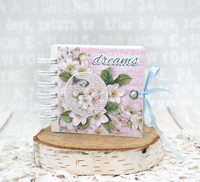 Alice's Dreams notebook scrapbooking