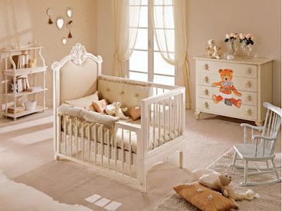 los regalos para el baby shower pueden estar destinados a la habitación del futuro miembro de la familia
