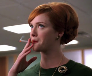 https://4.bp.blogspot.com/-WFxC2lzjT9w/T1YUDduqY-I/AAAAAAAAA5I/tziA9wO3vmc/s320/Famous-Christina-Hendricks-Smoking.jpg