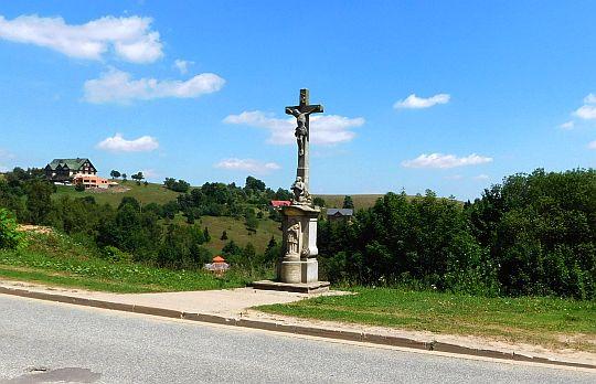 Krzyż przydrożny w Zieleńcu.