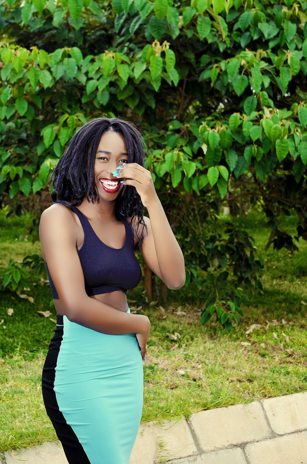 Ezil, style with ezil, diffrence between sporty and active wear, shopping guidlines for sporty wear, sports bra, casual active wear, pencil skirt, look sexy in active wear, kenyan fashion blogger, African fashion blogger, what to wear Kenya