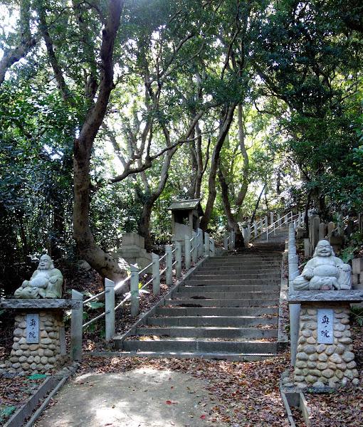 奥の院 本堂前の階段