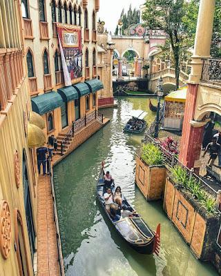 Wahana  Kapal Gondola