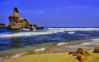 Pantai Buyutan Kalak Pacitan