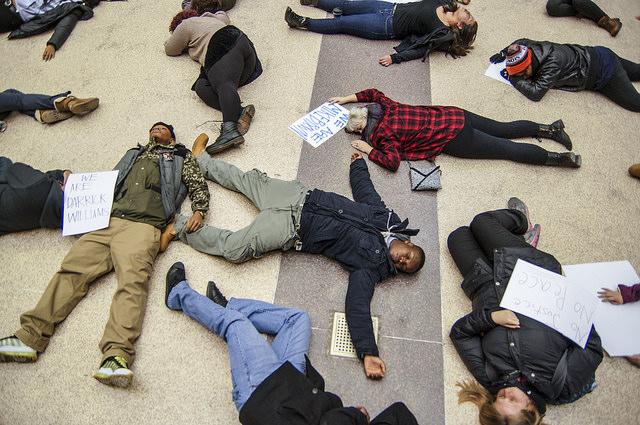 pasif direniş, protesto