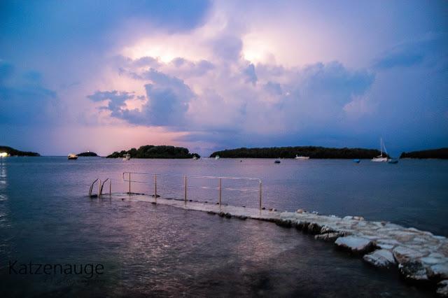 Regen, Nacht, Blitz
