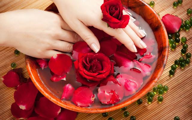 10 Manfaat Air Mawar Dan Cara Membuatnya Untuk Membuat Kulit Wajah Cerah