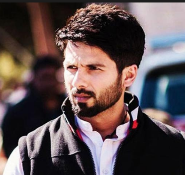 Shahid Kapoor Family Wife Son Daughter Father Mother Marriage Photos Biography Profile