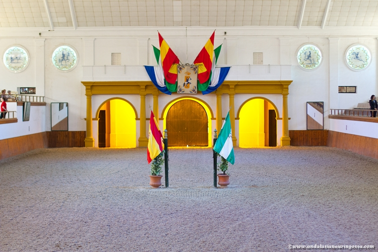 Andalusian kuninkaallinen hevoskoulu Jerez_Andalusian Royal Equestrian School Jerez