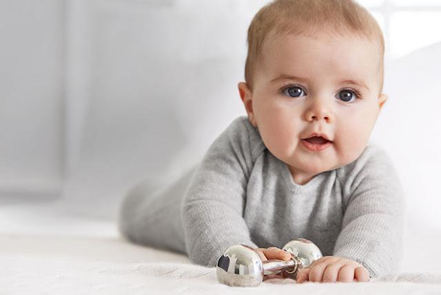 لتقوية عظام الرضيع