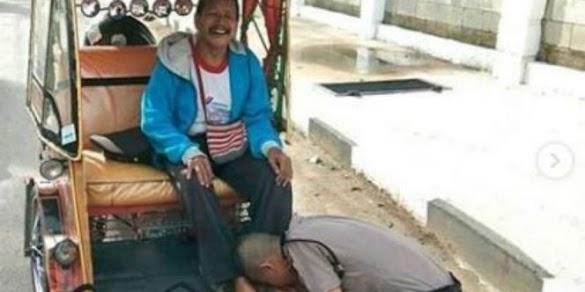 Ditėrima di Sėkolah Polisi, Anak Tukang Bėcak Cium Kaki Ayahnya