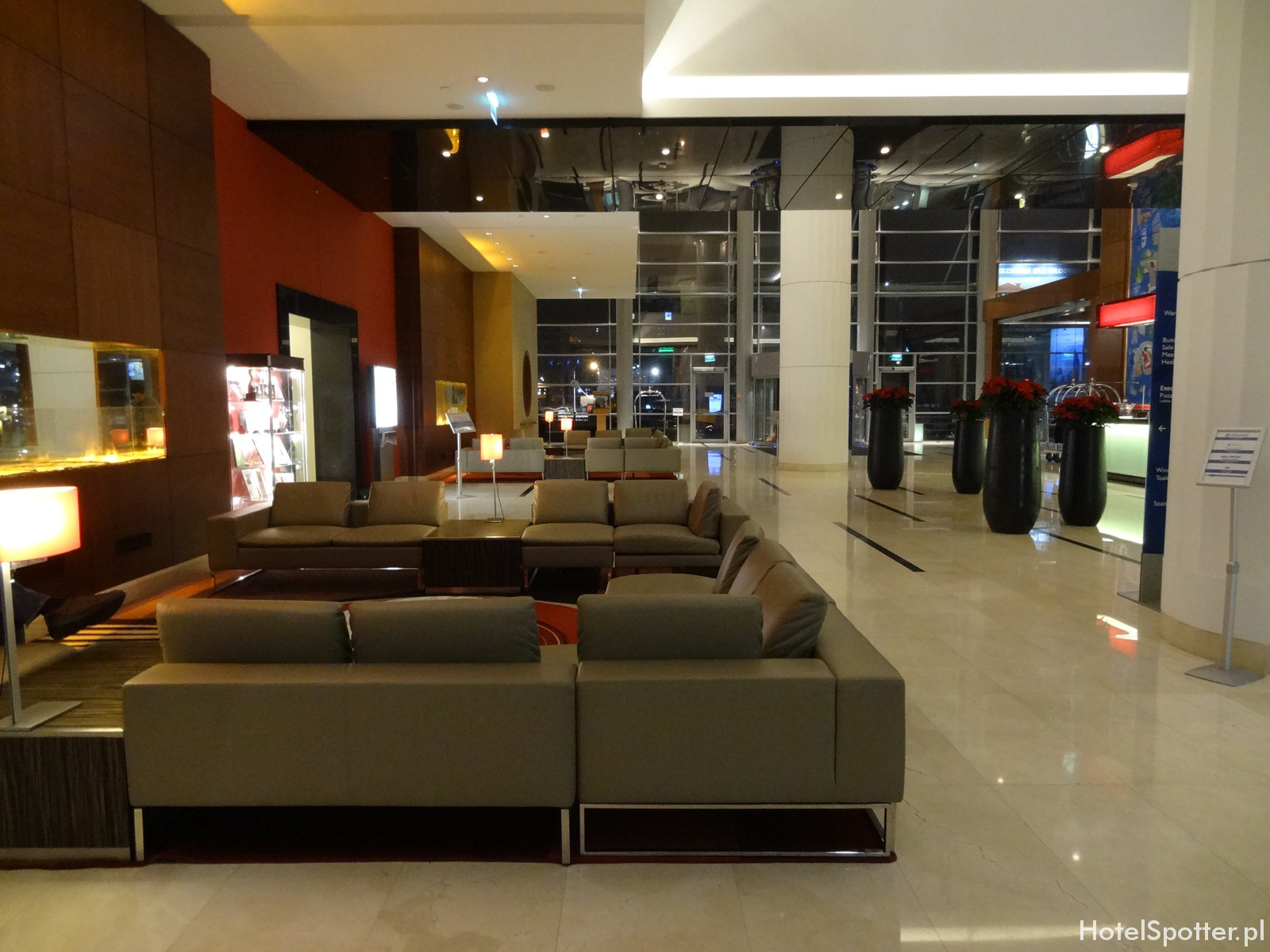 Hilton Warsaw Hotel - lobby