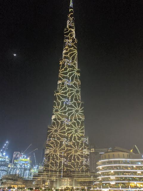 Бурдж-Халифа ночью