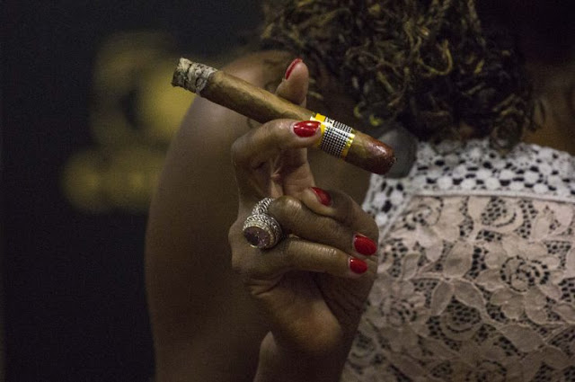 Cuban Cigar Habanos Festival - Cuban Women show that cigar contests aren't just a guy thing