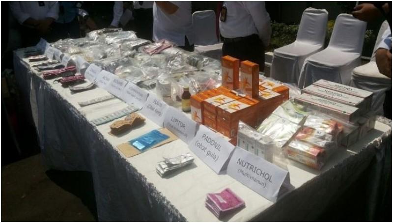 Obat Kadaluarsa yang Masih Diperjualbelikan di Pasar Pramuka