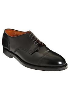 Giày Alden.