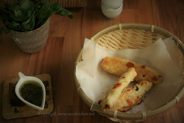Cheese & Bread Stuffed Puffs Sticks