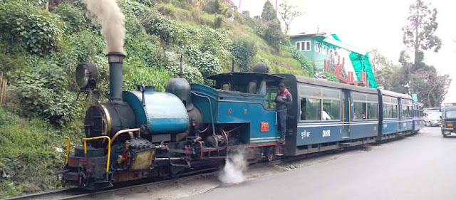 toy train,darjeeling toy train,darjeeling,toy train darjeeling,darjeeling himalayan railway,darjeeling tourism,himalayan toy train,train,darjeeling toy train ride,darjeeling toy train video,darjeeling toy train route,darjiling toy train,darjeeling toy train timings,darjeeling toy train hits car,toy train in india,toy train accident,njp to darjeeling toy train ticket fare,darjeeling toy train complete journey