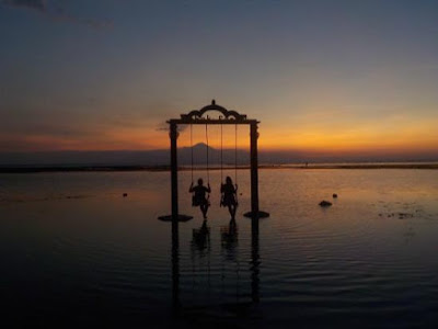 http://www.lomboksociety.com/2017/11/3-trawangan-swings-to-catching-sunset.html