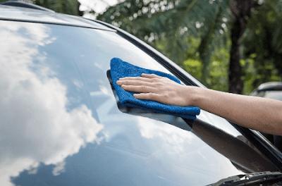 Teknik Mencuci / Membersihkan Kaca Luar Mobil yang Baik dan Benar
