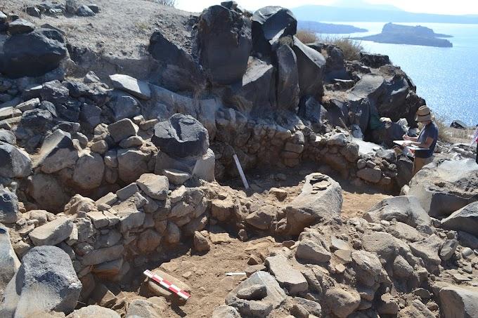 Στη θέση Κοίμηση Θηρασίας ένας πρωτοκυκλαδικός και μεσοκυκλαδικός οικισμός της 3ης και των αρχών της 2ηςχιλιετίας π.Χ
