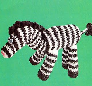 http://vintagetoychest.blogspot.nl/p/crochet-toy-patterns.html