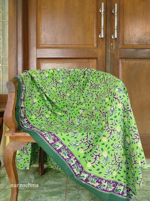 batik tulis gedog