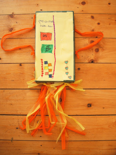Making a shoebox jetpack: a creative, upcycling idea for kids