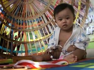 Ritual Adat Turun Tanah untuk Bayi Berusia 7 Bulan
