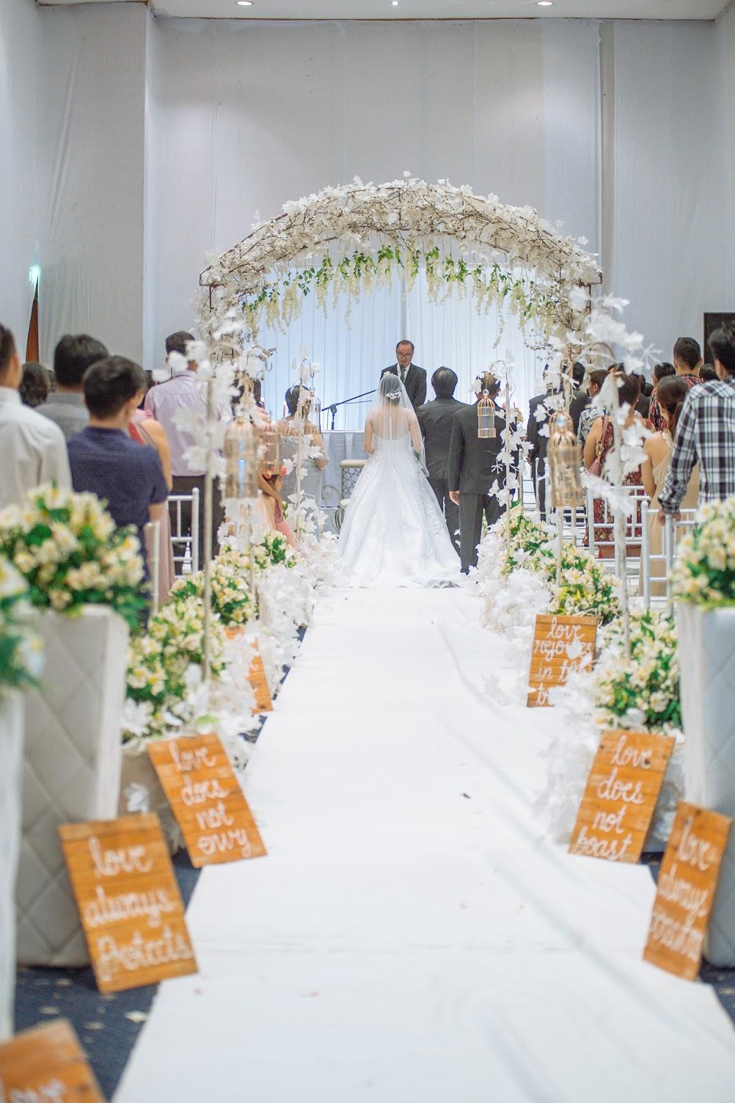 white themed and elegant wedding