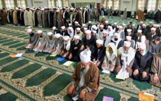Muslim Harus Tahu! Hukum Shalat di Belakang Orang Syiah