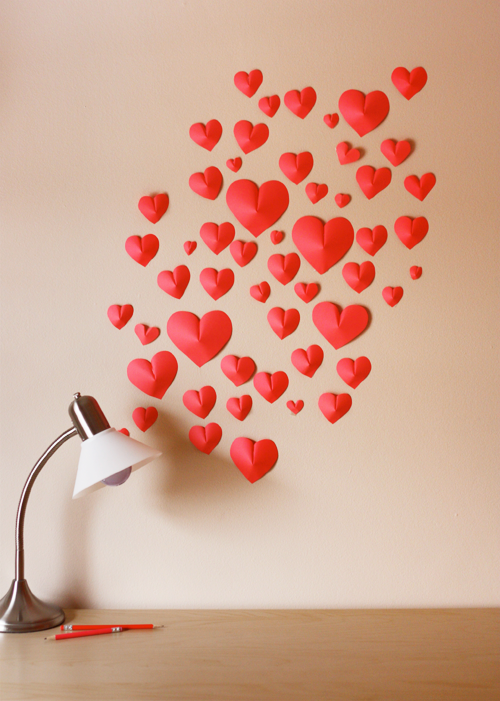 3D love heart wall decoration for Valentine's Day