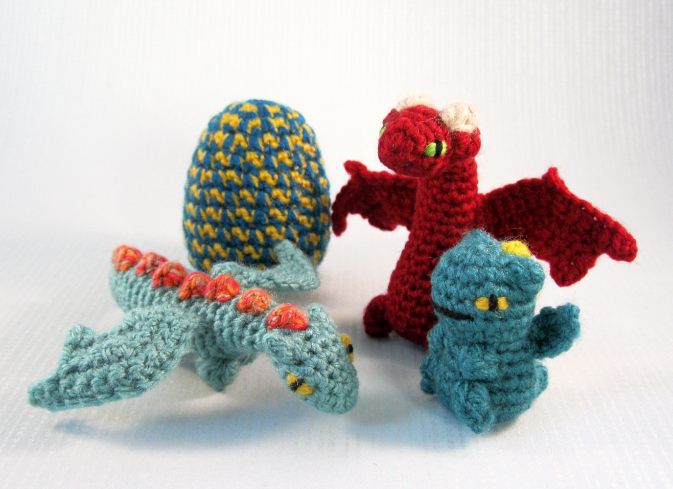 Amigurumi Baby Dragon : Lucyravenscar crochet creatures mini pets in eggs dragon