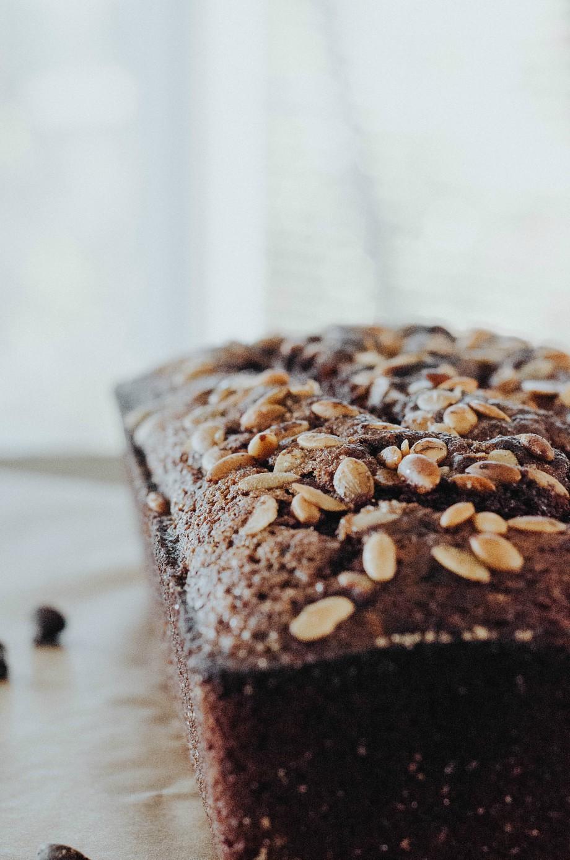 chocolate-chip-pumpkin-spice-pound-cake-the-nosh-life