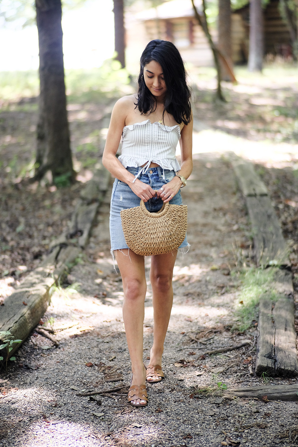 how to style straw bag summer