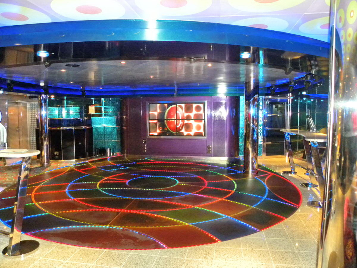 Funny pictures gallery carnival cruise inside carnival for Pictures inside