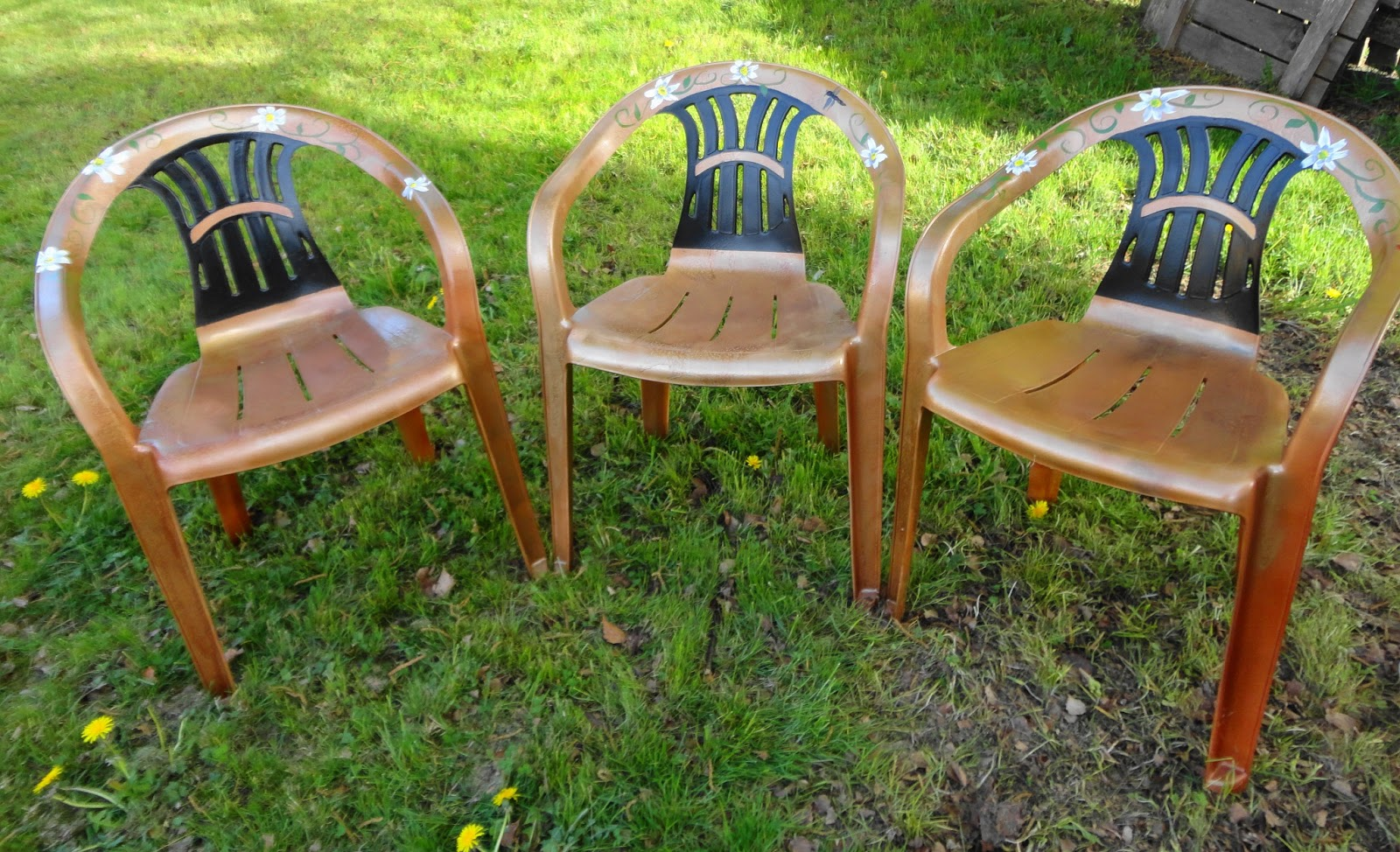 how to paint plastic chairs chair glides for tile floors www cheriesforgetmenots com new life old white i have five and only been able complete three so far as the store had cans of each used a whole can