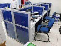 Custom Furniture Semarang - meja sekat kantor dengan kain fabric furniture semarang