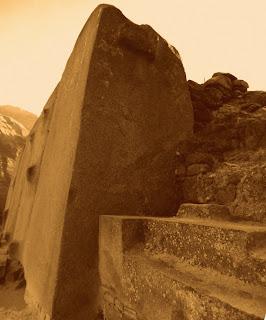 Monólitos do Templo do Sol, em  Ollantaytambo, no Vale Sagrado